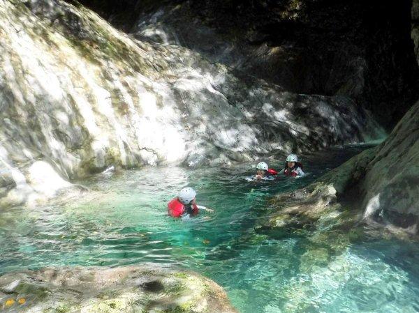 これが大峰ブルー!流れる川の美しさは圧巻!