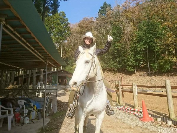 ツアー後には、写真プレゼント&馬とのふれあい体験付き!