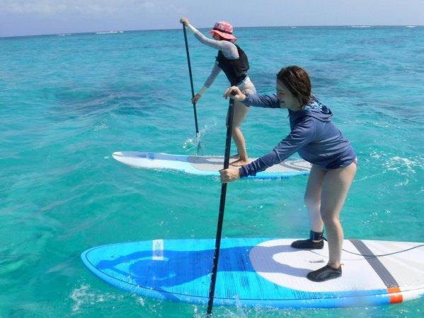 透明度の高い沖縄の海でSUPを満喫しよう!
