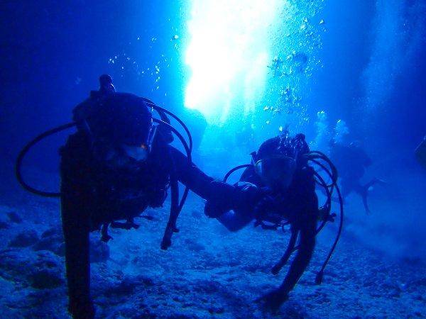 《ボート》青の洞窟 シュノーケリング&体験ダイビング