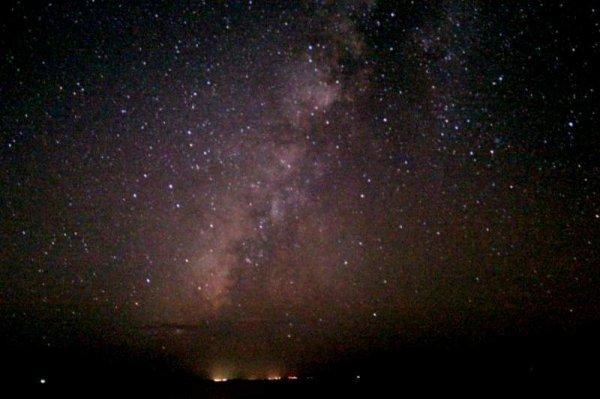 島から離れた暗い海上で満点の星空を堪能!