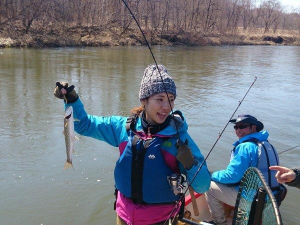 カヌーから高活性の魚を狙うからチャンスが多い!