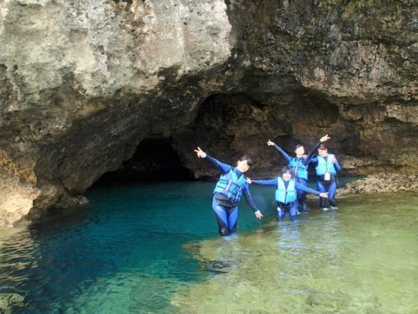 """神秘的な美しさを誇る""""青の洞窟"""""""