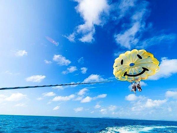 沖縄本島 パラセーリング