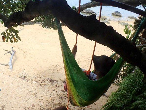樹上でハンモックに揺られながら贅沢な時間を過ごそう!