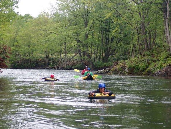 北海道の雄大な自然に抱かれながらの川遊び