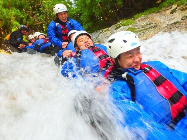間沢渓谷 シャワークライミング