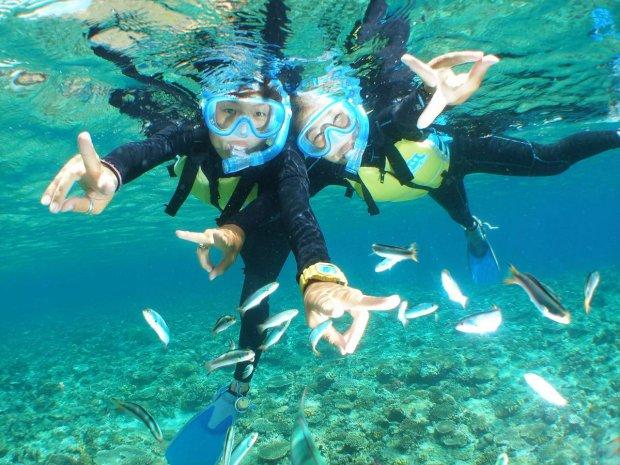 沖縄本島・青の洞窟 シュノーケリング