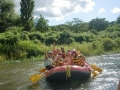 大自然あふれる「群馬県吾妻郡」を流れる吾妻川はでは、通年安定した水量で、水遊び万歳の爽快ツアーが楽しめます。