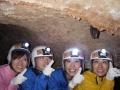 《ラフティング》と《ケイビング》が一緒に楽しめる!真っ暗闇の洞窟をヘッドライトの明かりを頼りに探検!