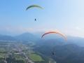 北アルプス五竜岳から東に延びる遠見尾根の麓。自然豊かな景色の中でのフライトを満喫できます!【アルプス平コース】