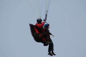 標高480mからのフライト!基本操作はインストラクターに任せて空中散歩!