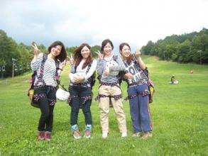 標高1250mに立地、夏でも涼しく湿気も少なく爽やかさ満点!高原リゾートで爽快パラグライダー体験が楽しめます!