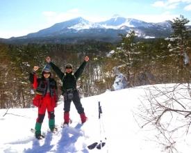 「眺望流山」では雄大な磐梯山や吾妻連峰の大パノラマ、眼下には小野川湖が見えます。