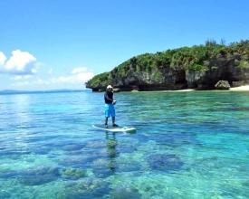 珊瑚のかけらでできた天然白砂のビーチ、まさにリゾート沖縄を感じさせてくれる『瀬底島』
