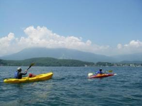 北信五岳に囲まれた自然豊かな天然の湖で、広い空の元でのパドリングはとっても気持ちが良いです!