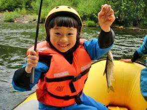 ボートからの釣りも体験できる