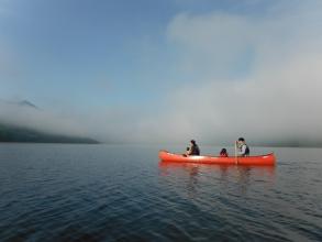 朝もやのかなやま湖