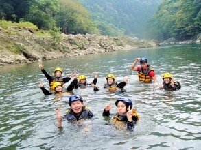 自然の中でのんびり!水に入って遊びましょう!