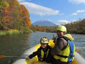 季節ごとの自然・景観を満喫!ニセコの豊かな自然を楽しむための川下りツアーです。