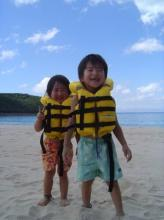 小さなお子様も大満足!!シーカヤック&シュノーケルで海上〜海中まで、種子島の大自然を満喫できる海遊びツアーです。