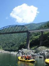 激流だけが吉野川じゃない!川からの雄大な景観も魅力のひとつ!