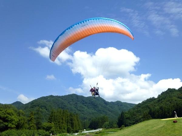 http://sotoasobi.net/activity/paraglider/3/10/20/189